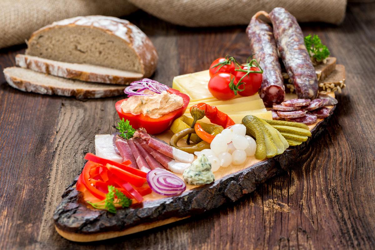 belegte-brote-speck-salami