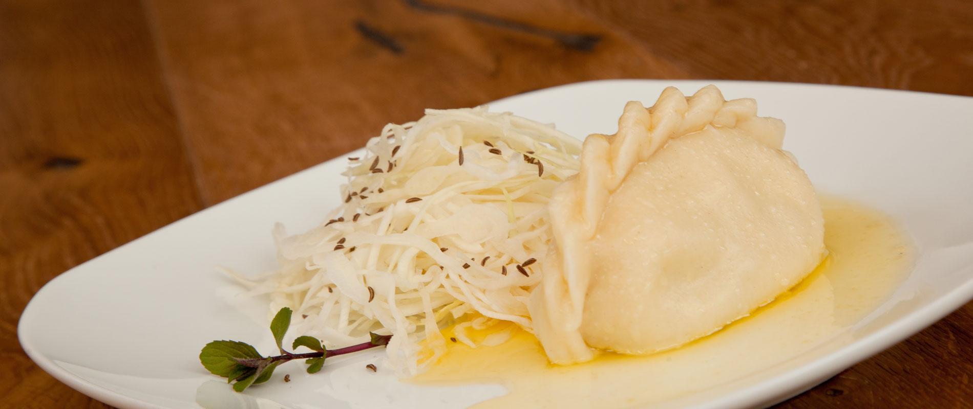 kaerntnernudel-kraut-zerlassene-butter